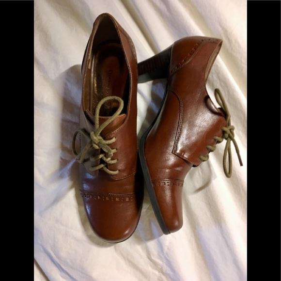Etienne Aigner Shoes - 💥Etienne Aigner heeled Oxfords💥